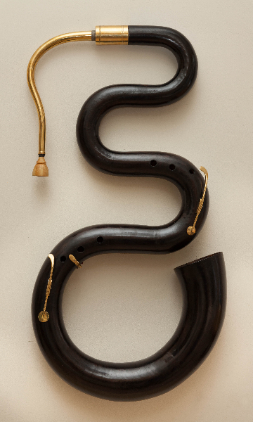 serpent_noir_ laiton