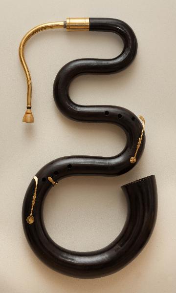 serpent_noir_ laiton
